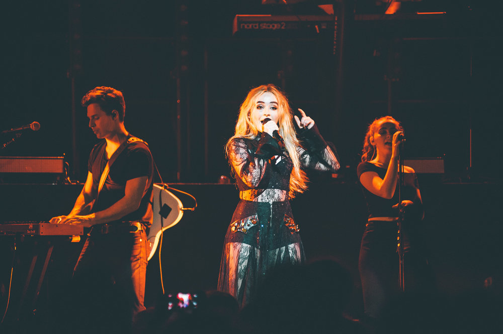 1_Sabrina_Carpenter-Vogue_Theatre-20170706-Timothy_Nguyen (10 of 19).jpg