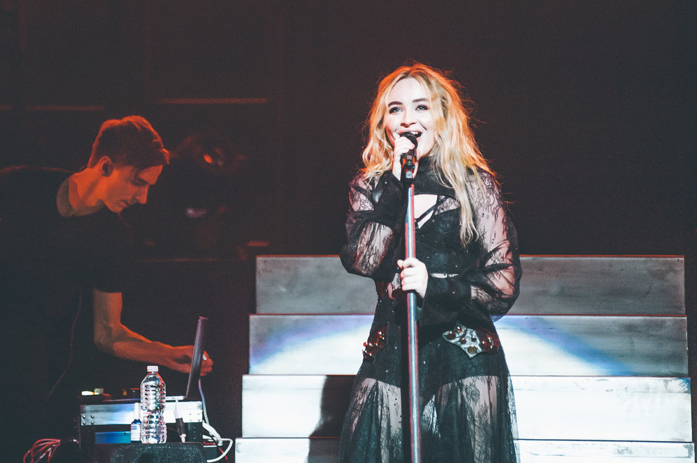 1_Sabrina_Carpenter-Vogue_Theatre-20170706-Timothy_Nguyen (9 of 19).jpg