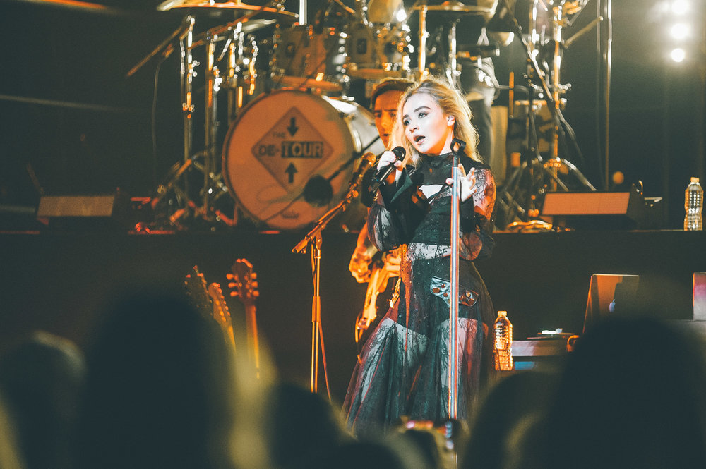1_Sabrina_Carpenter-Vogue_Theatre-20170706-Timothy_Nguyen (11 of 19).jpg