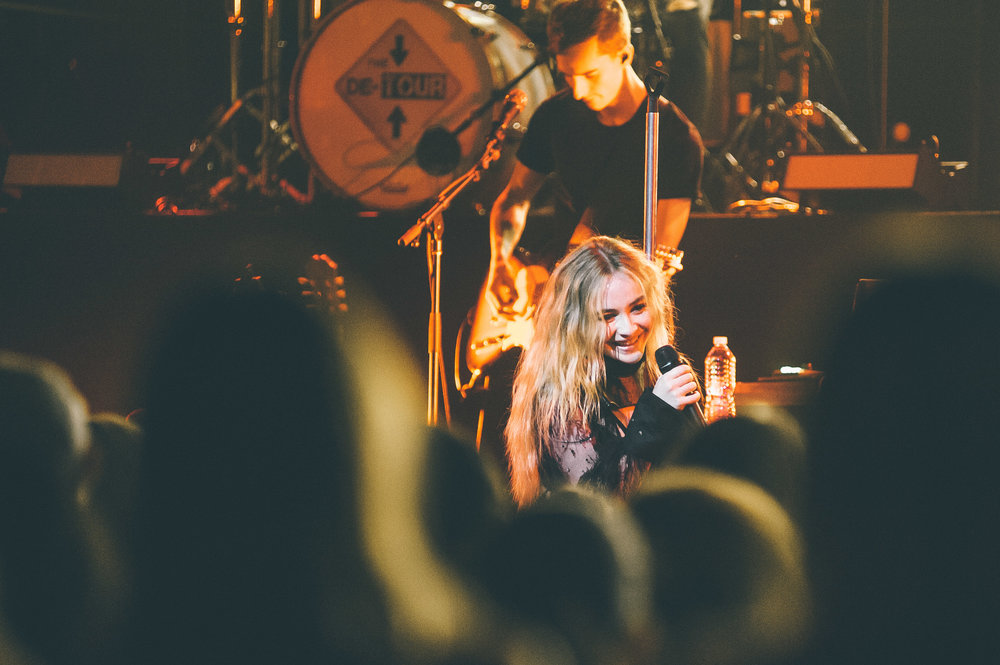 1_Sabrina_Carpenter-Vogue_Theatre-20170706-Timothy_Nguyen (12 of 19).jpg