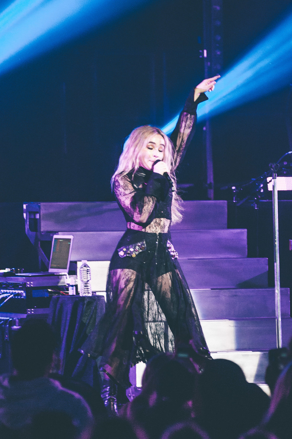 1_Sabrina_Carpenter-Vogue_Theatre-20170706-Timothy_Nguyen (14 of 19).jpg