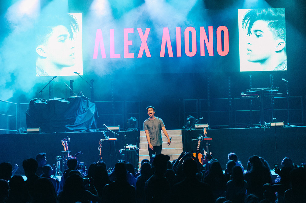 2_Alex_Aiono-Vogue_Theatre-20170706-Timothy_Nguyen (17 of 17).jpg