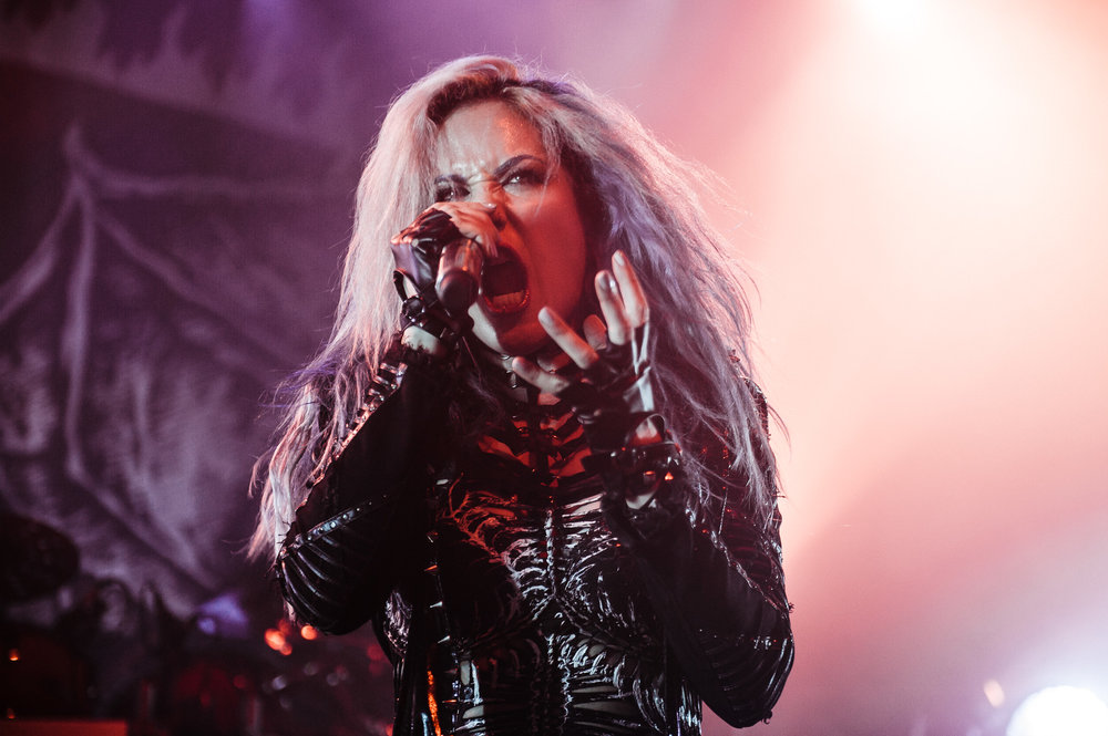 1_Arch_Enemy-Vogue_Theatre-Timothy_Nguyen-20171123 (7 of 8).jpg