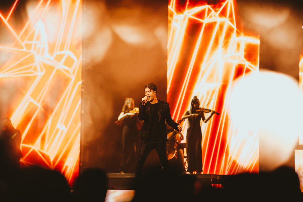 1_Panic!_At_The_Disco-Rogers_Arena-Timothy_Nguyen-20180811-16.jpg
