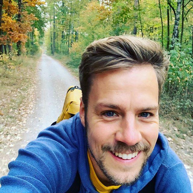 Guten Morgen - den Donnerstag mag ich, weil ich dann zur Arbeit radeln darf durch dem Wald.