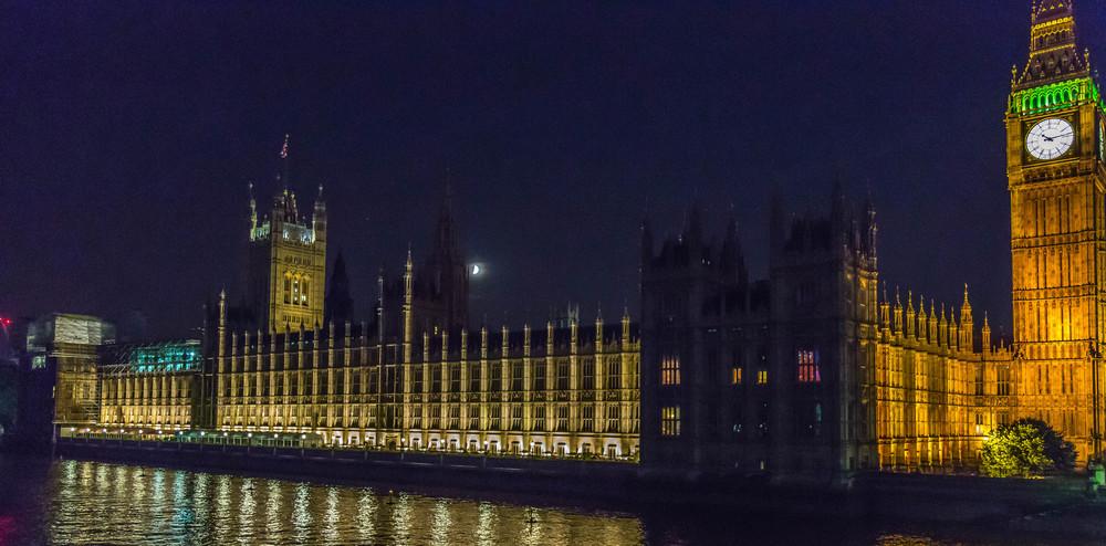 Parliament at Night copy.jpg