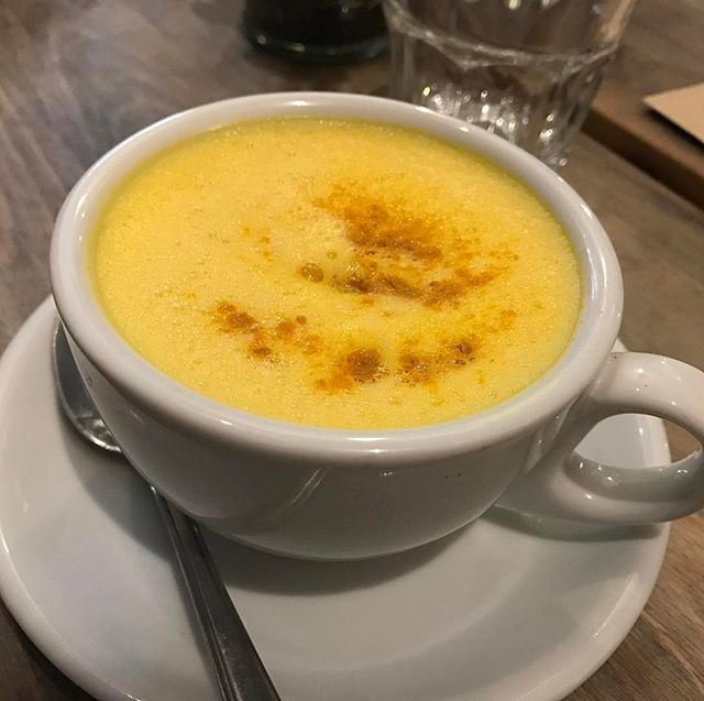 Ginger and turmeric lattes may be my new favourite thing ☕️