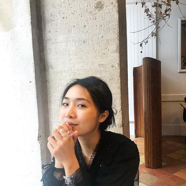 Beautiful Mint  @mint.napassawan wearing @idonthaveasister Orbit Ring  #idonthaveasister #jewelry #glass #vetro #vetrosoffiato #design #deigner #Paris #statementpiece #murano