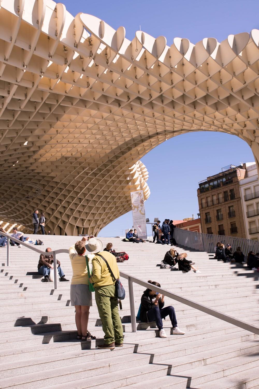 Sevilla - Metropol Parasol y turistas