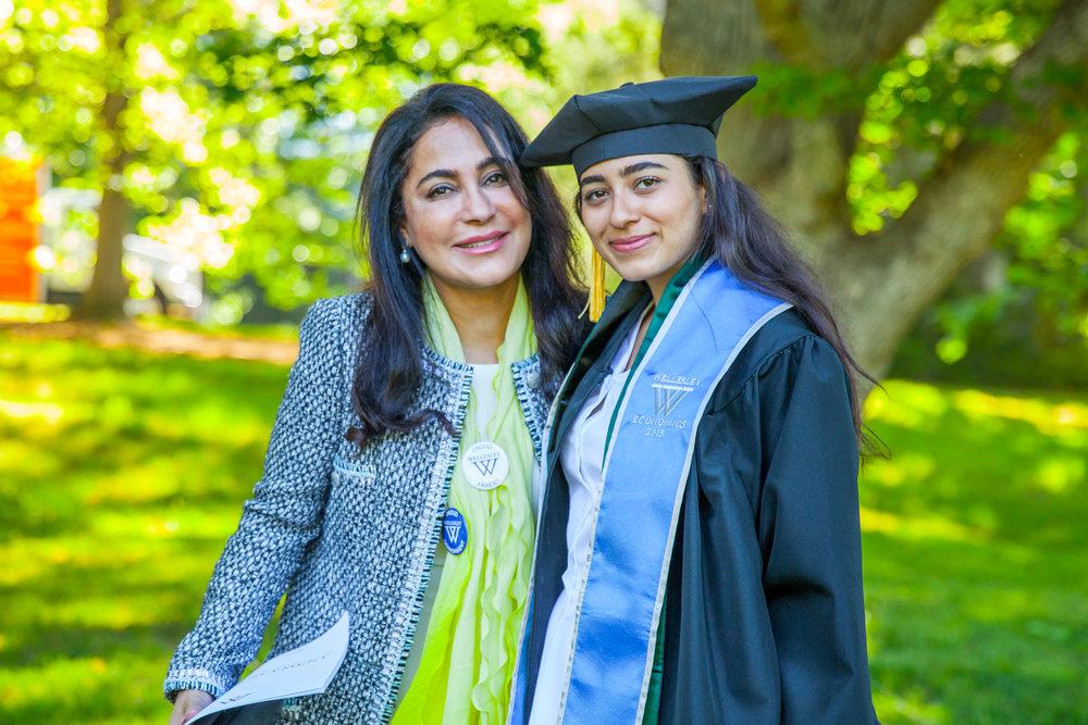 Noora_Graduation-69.jpg