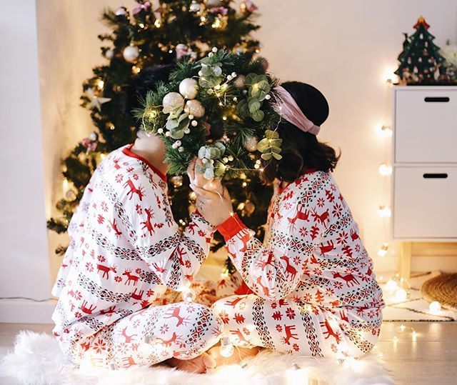 No mistletoe but a wreath will do 😙 ✨🎄 — Told my husband that this year I want to take cheesy Christmas family photos with our tree. So he went and got all of us tacky matching pjs - but I love it! I'm a sucker for matching family outfits that my kids will be embarrassed about in the future.😂 Yes I'm that kinda mom . —— While waiting for Baby Emm to wake up, we took some couple shots for test shots. Some are way too embarrassing to share here but here's one of us �� So glad to be doing life with this guy.