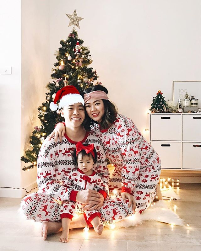 Merry Christmas from our lil fam bam to yours! So thankful for today. Hope everyone is having a blast with their loved ones this holiday season 🎄��