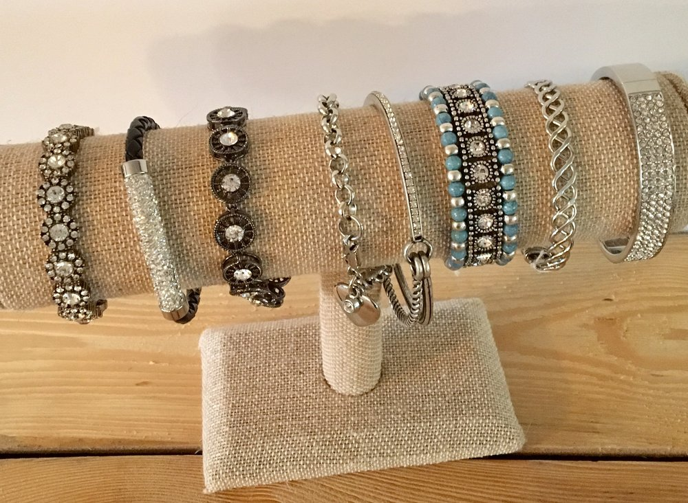 Bracelet display and organization