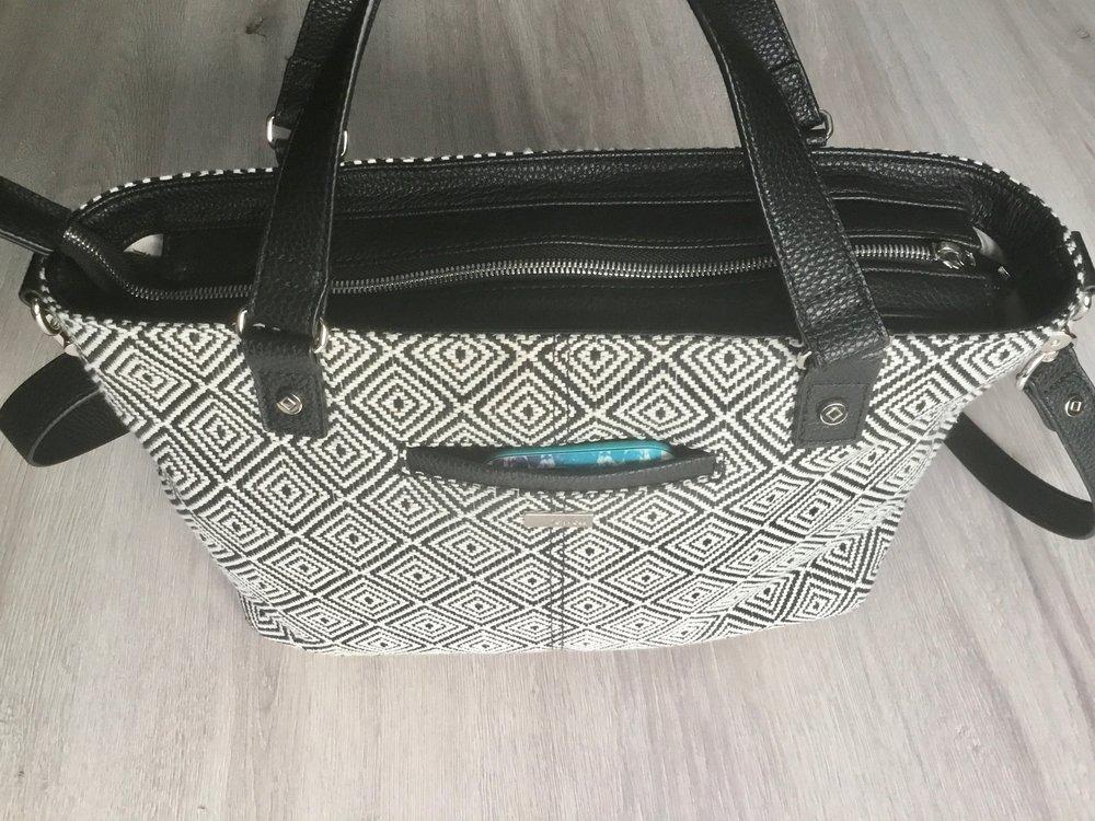 fully organized purse