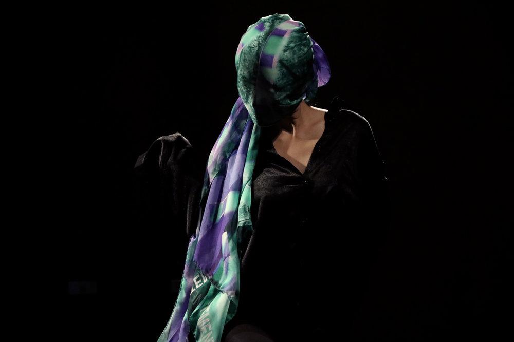 buy silk scarves online paris taipei tokyo ceci n'est pas un vetement L32A9879r.jpg