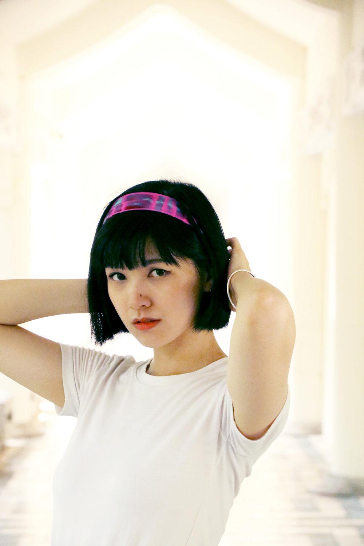buy fluo pink scarfhair band online paris taipei tokyo. スカーフコーデ for t-shirt. isetan selfridges hypebeast