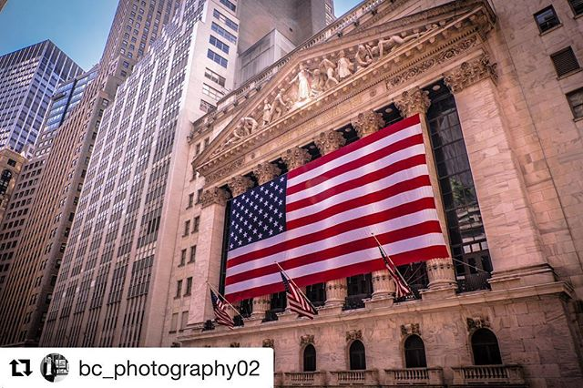 #Repost @bc_photography02 with @repostapp ・・・ Wall Street #all_shots #building #buildingphotography #buildingphoto #colour #colourphotography #colourphoto #capture #captialbank #american #americanflag #americanflagphotography #flag #flagphoto #flagphotography #landscape #landscapephotography #landscapephoto #landscapecolourphoto #manhattan #manhattanphotography #newyork #newyorkcity #newyorkphotography #newyorkfinancialdistrict #travel #travelphotography #wallstreet