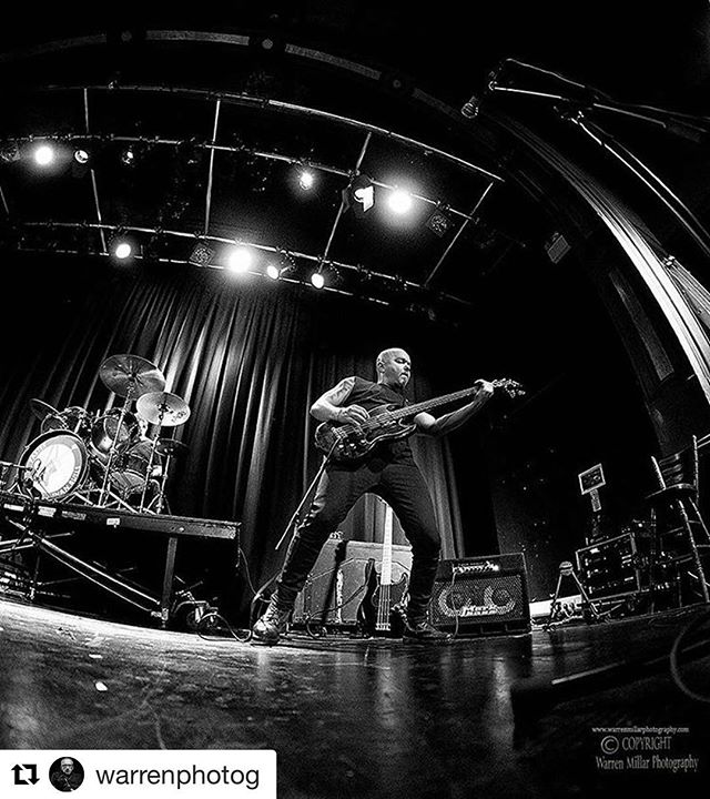 #Repost @warrenphotog with @repostapp ・・・ Trying out the Samyang 8mm at my gig photography workshop for @fujiholics @fujifilm_uk #gigphotography #workshops #musicphotography #fujiholics #fujifilm #fujifilm #music