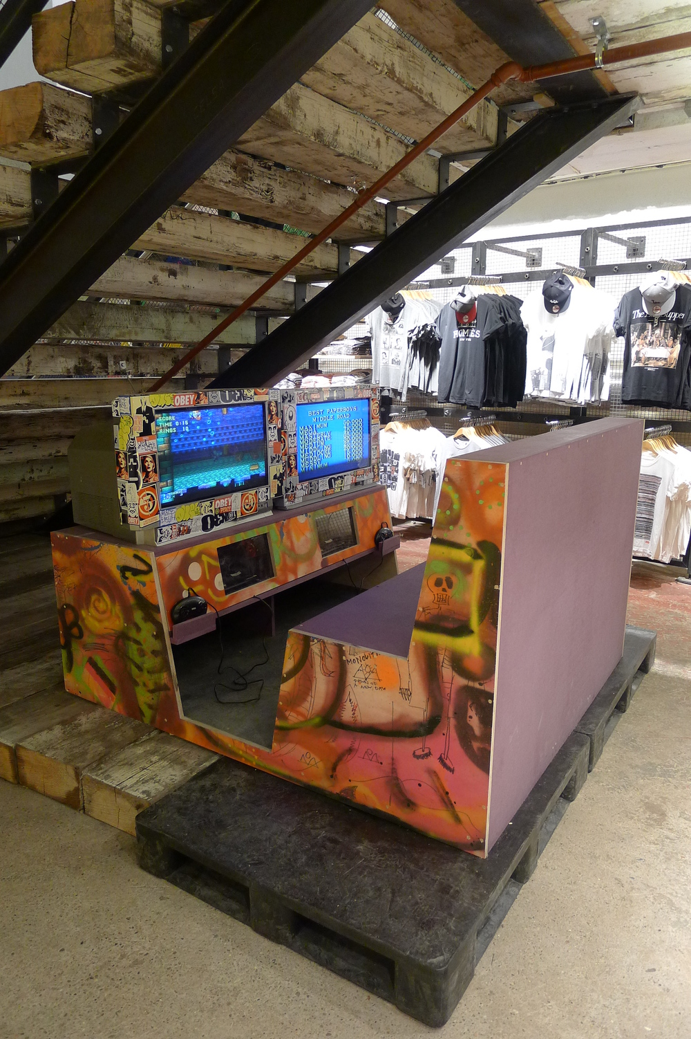 Urban Outfitters Europe: Retro Videogame Station