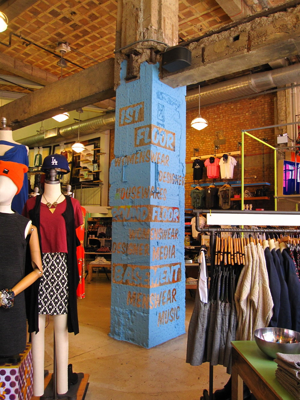 Urban Outfitters Europe: Store Directory Painted Column