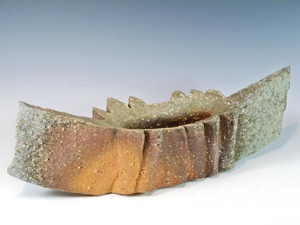"""Yasuhisa Kohyama (Japan, born 1936) Shigaraki Stoneware Vase. 5"""" X 16"""""""