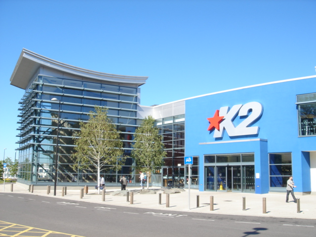 Crawley_-_K2_Leisure_Centre_01.jpg