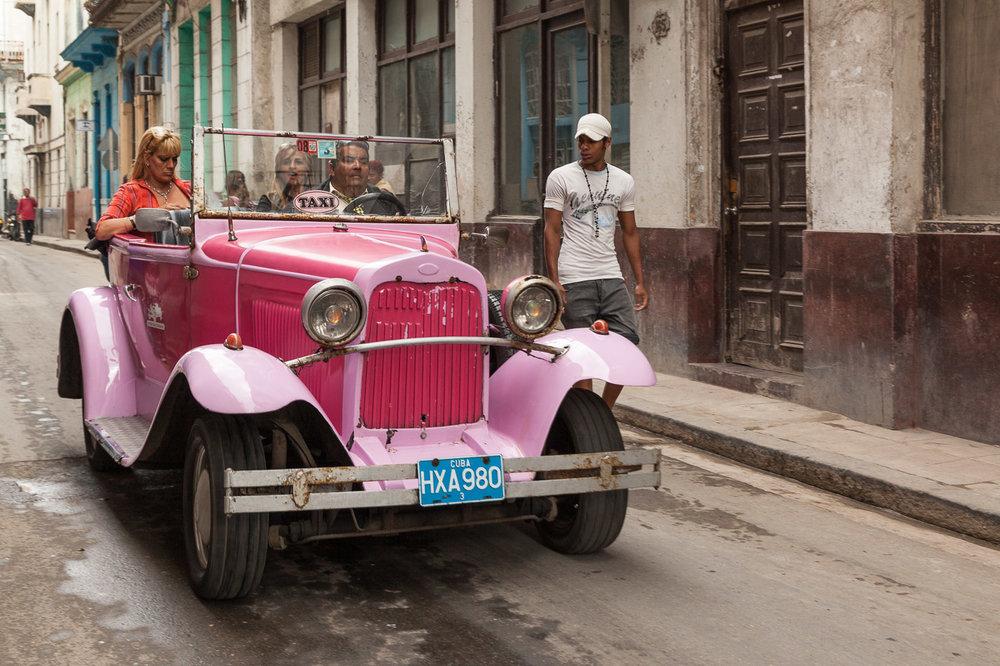 Pink Taxi, Havana
