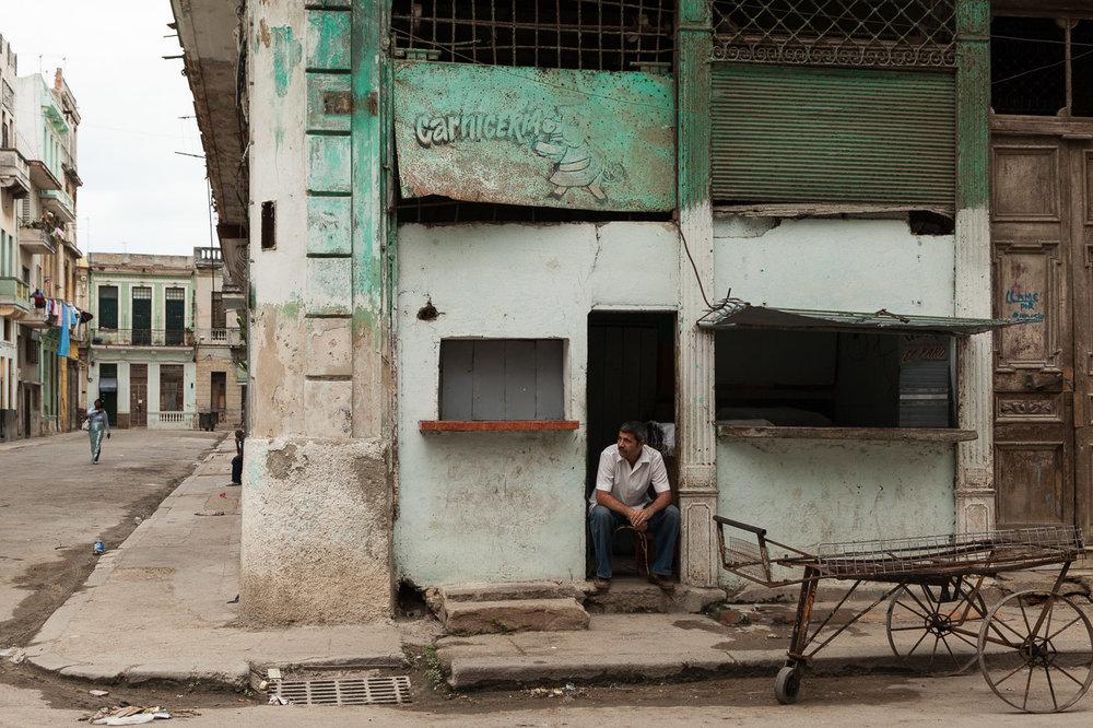 Sitting in the Doorway, Havana