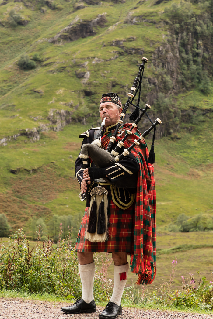 Bagpipes in the Highlands