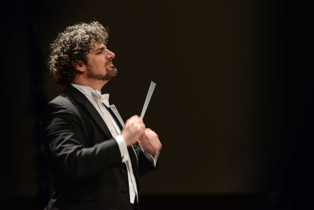 Conductor Allen Tinkham © Lad Strayer Photography