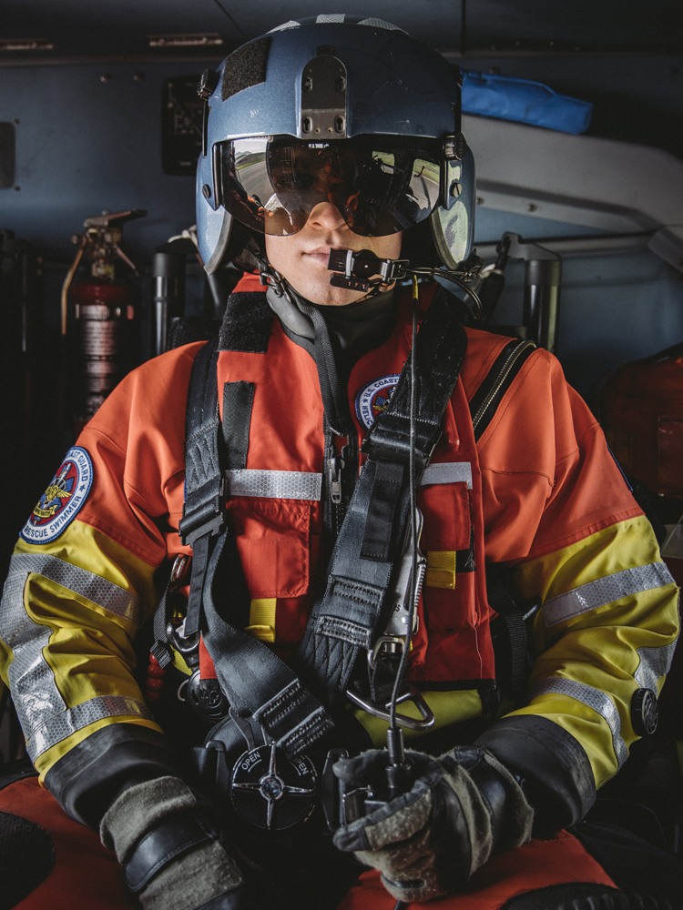 tom bolen uscg rescue swimmer chief