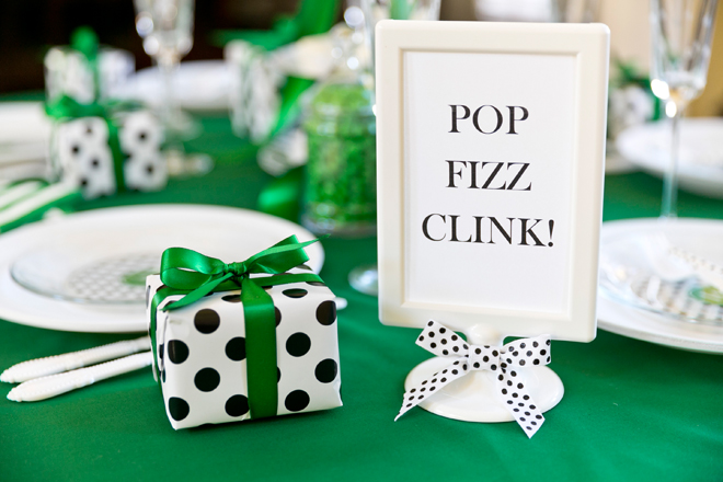 Pizzazzerie-Kate-Spade-Holiday-Tablescape-Party_02.jpg