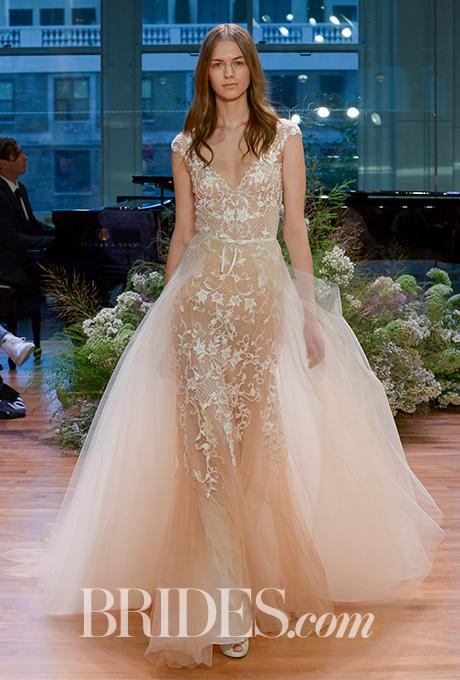 monique-lhuillier-wedding-dresses-bridal-fashion-week-gowns-fall-2017-2.jpg