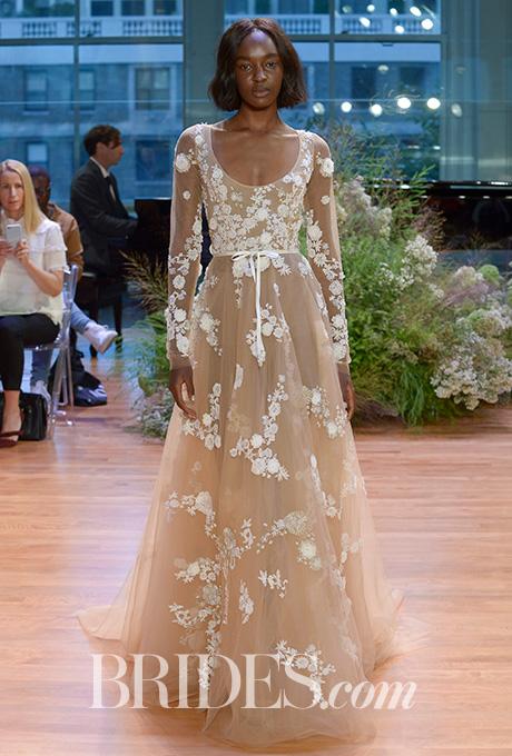 monique-lhuillier-wedding-dresses-bridal-fashion-week-gowns-fall-2017-4.jpg