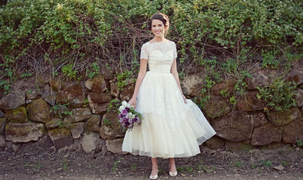 SHORT DRESS WEDDING DRESS SUMMER WEDDING TRENDS.png