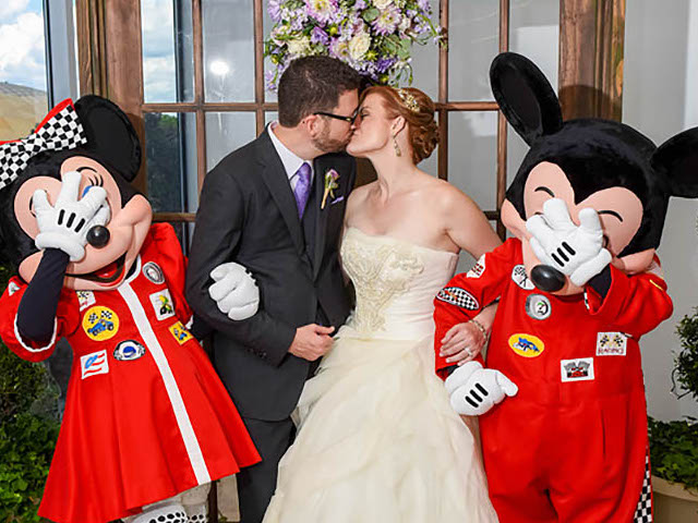 Characters Wedding Disney Mickey and Minnie.jpg