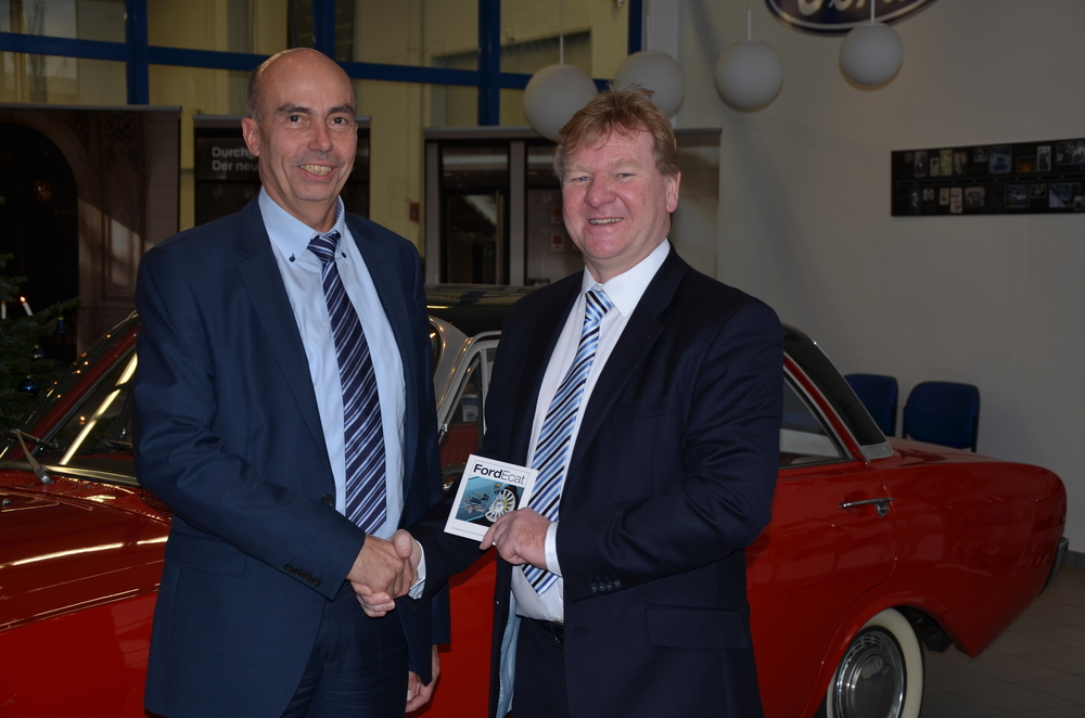 Josef Lamers, Manager Parts & Catalogue Planning, Ford Customer Service Division Europe (left) with Calvin Barnett CEO Clifford Thames (right)