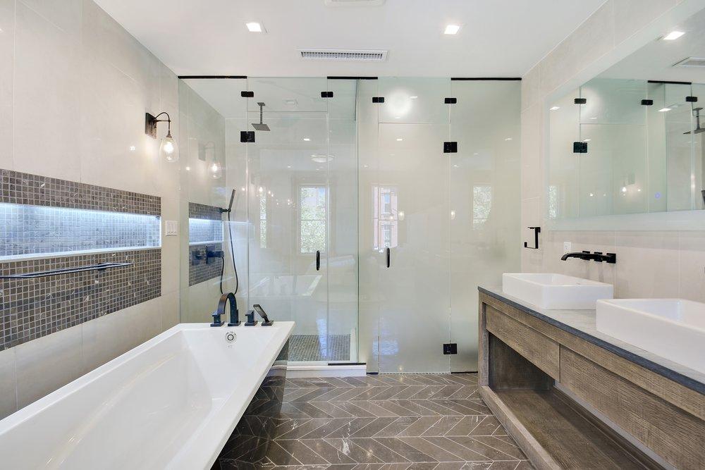 12_488MadisonSt_8_Bathroom_HiRes.jpg