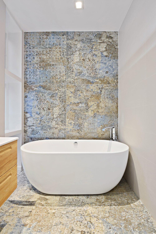 13_22SAINTFELIXSt_323_Bathroom_HiRes.jpg