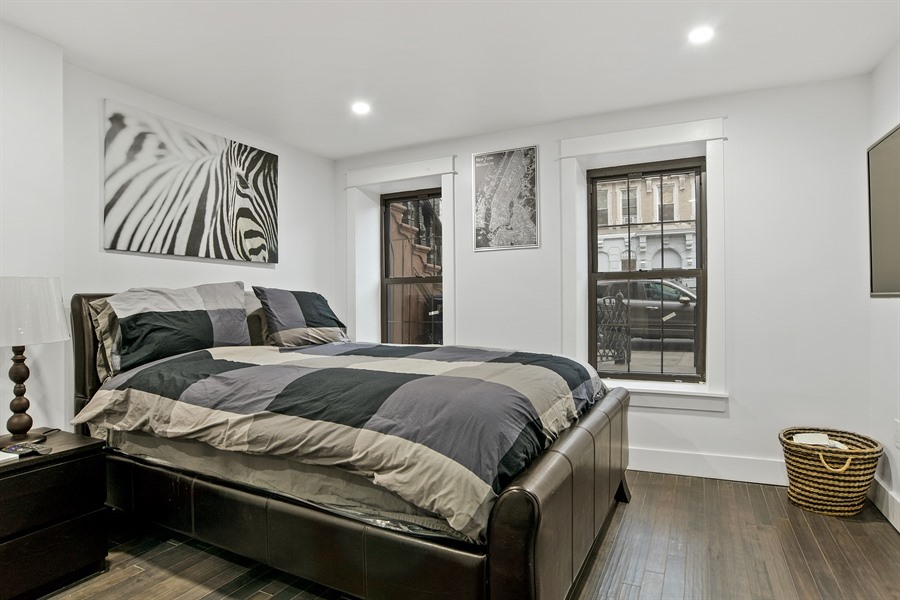 5_720MadisonAve_18_Bedroom_LowRes.jpg