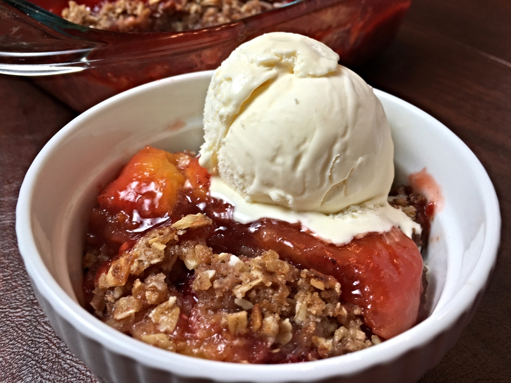 Peach Strawberry Crumble