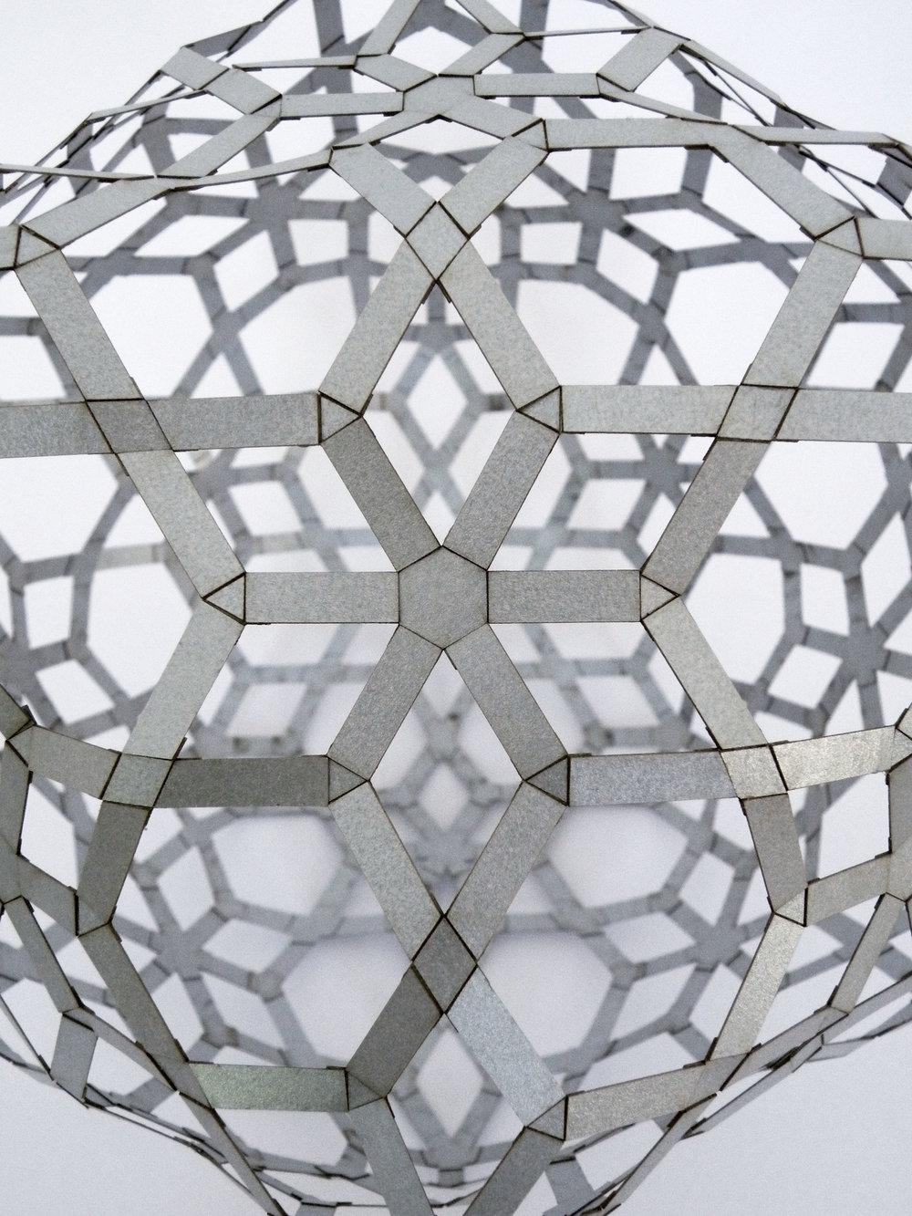 101 AlhambraIcosa-6symDet.jpg