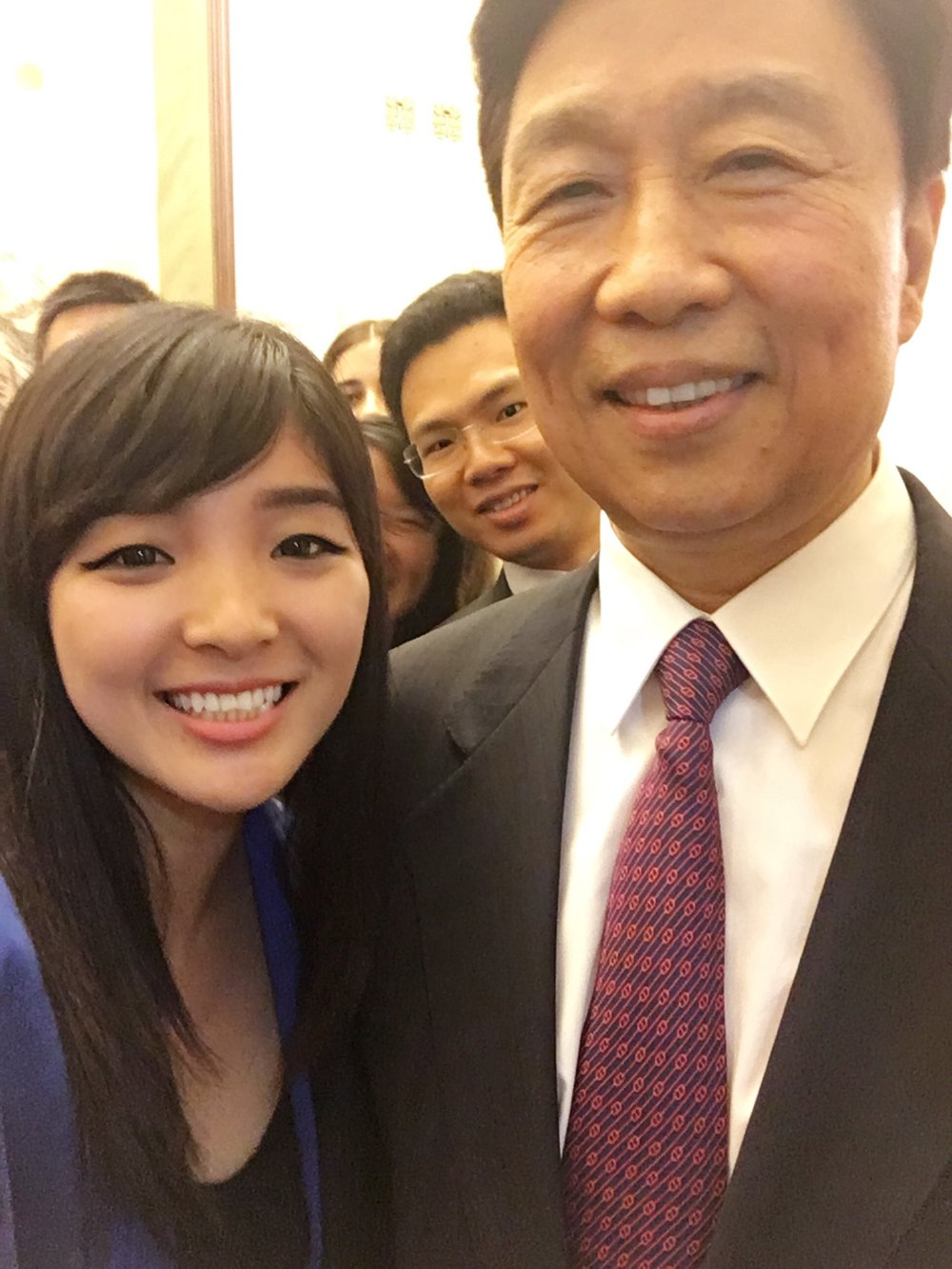 Chinese Vice President Mr. Li Yuanchao's selfie with Delegate Annie (Beijing 2016).jpg