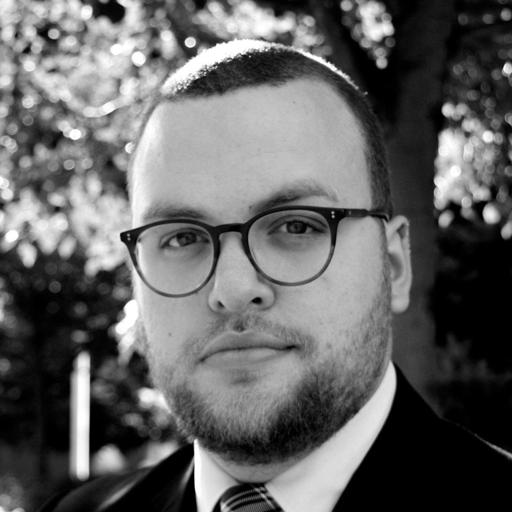 Nicholas Schiavo PROGRAM DIRECTOR nicholas@youngdiplomats.ca @NickSchiavo_