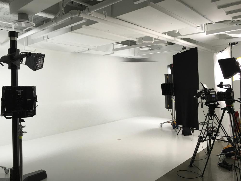 Studio Pre-Lit