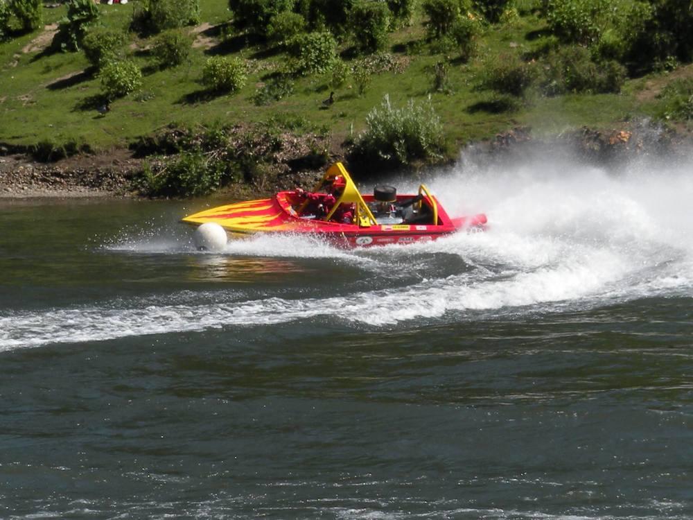 sprint boat1.jpg