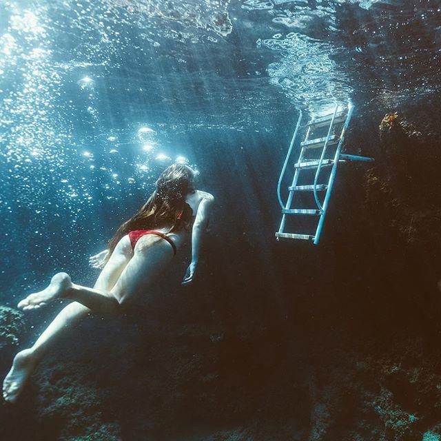 Feeling like a mermaid swimming off the Amalfi Coast in Italy. 📷: @larswyder