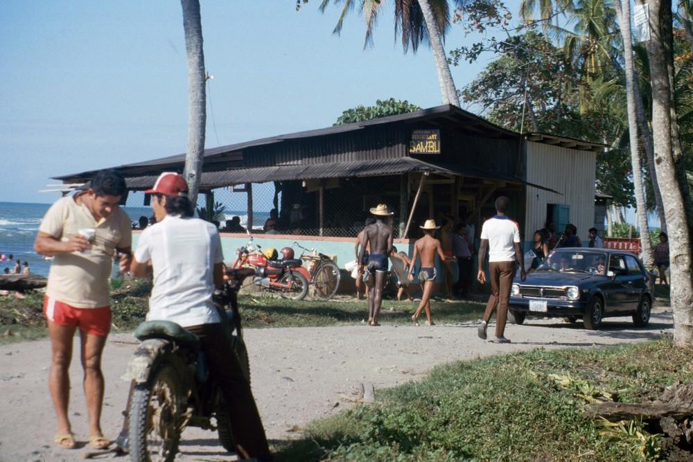Semana Santa en Bambú   Puerto Viejo   1990    CZ_001_021