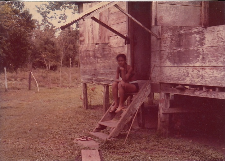 """""""La casita donde crecí""""   Playa Negra   1965   Demonstra nuestra vida campesina    Personas: Rita Salazar  Colaborador: Mauricio Salazar Salazar  CC_001_007"""