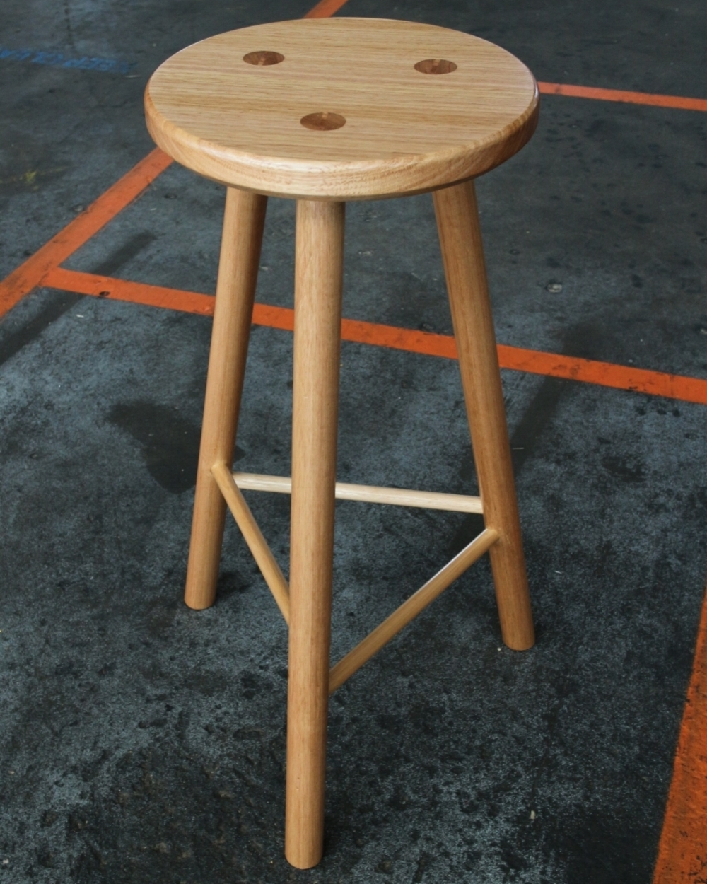 STAGGER BAR STOOL